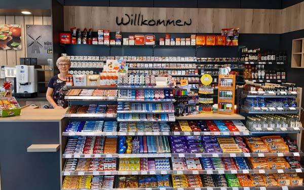 Moderner Shop mit reichhaltiger Auswahl.